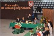 Ojciec Paweł Chmura otrzymał tytuł honorowego obywatela Chęcin