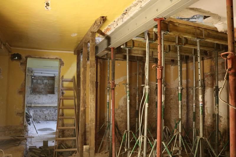 Trwają prace remontowe w Szkole Podstawowej w Wolicy